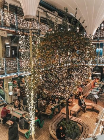 Londra Kingly Court